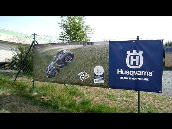 HUSQVARNA Automower 435X AWD auf der Vorführfläche